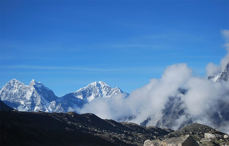 everest-high-pass-trek1567763298.jpg
